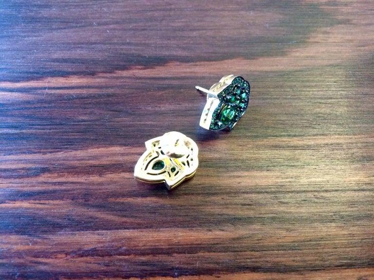 Women's Ana De Costa Green Pear Round Tsavorite Garnet Yellow Gold Stud Earrings For Sale