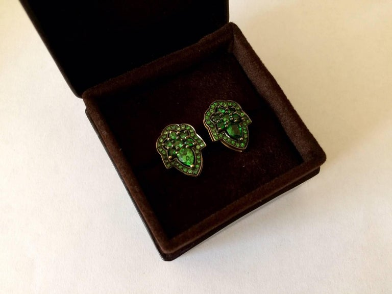 Ana De Costa Green Pear Round Tsavorite Garnet Yellow Gold Stud Earrings For Sale 4