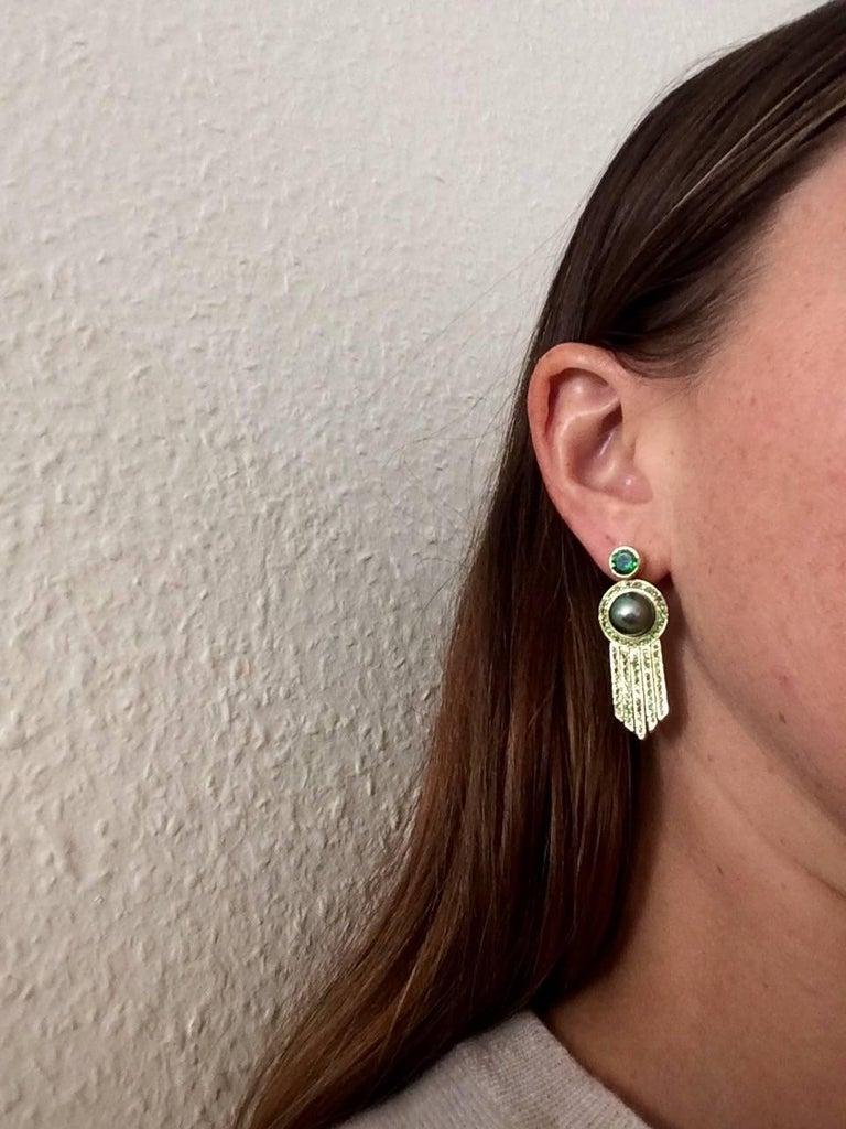 Ana De Costa schwarze Tahiti Perle grüne Runde Tsavorit YellowGold Tropfen Ohrringe 8