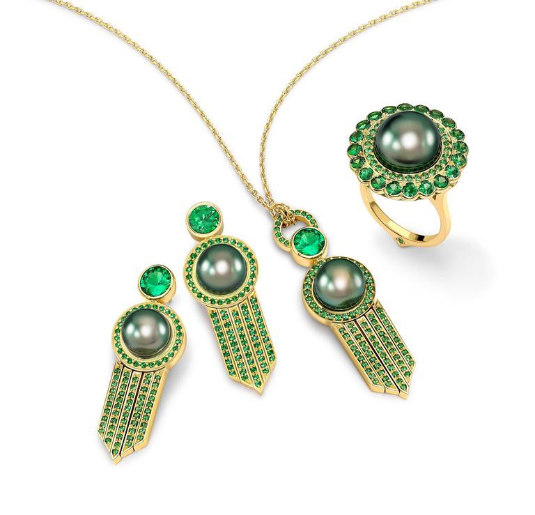 Ana De Costa Yellow Gold Green Round Tsavorite Black Tahitian Pearl Drop Pendant For Sale 5