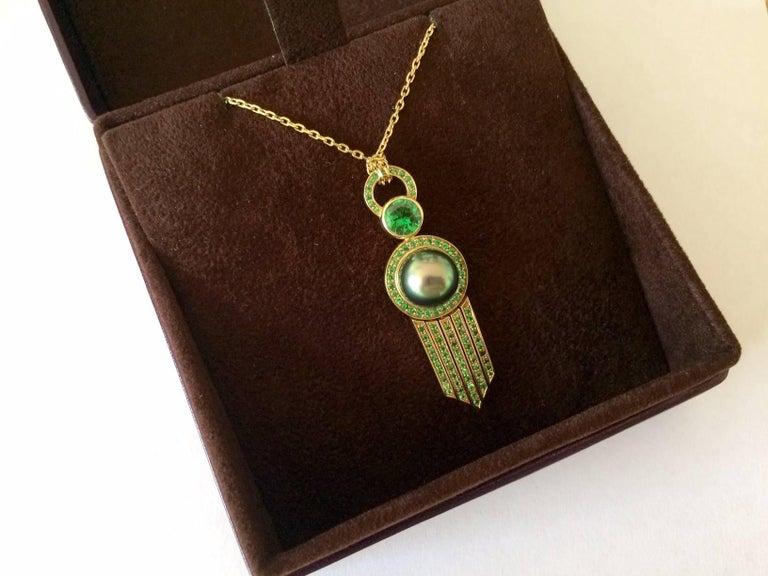 Ana De Costa Yellow Gold Green Round Tsavorite Black Tahitian Pearl Drop Pendant For Sale 3