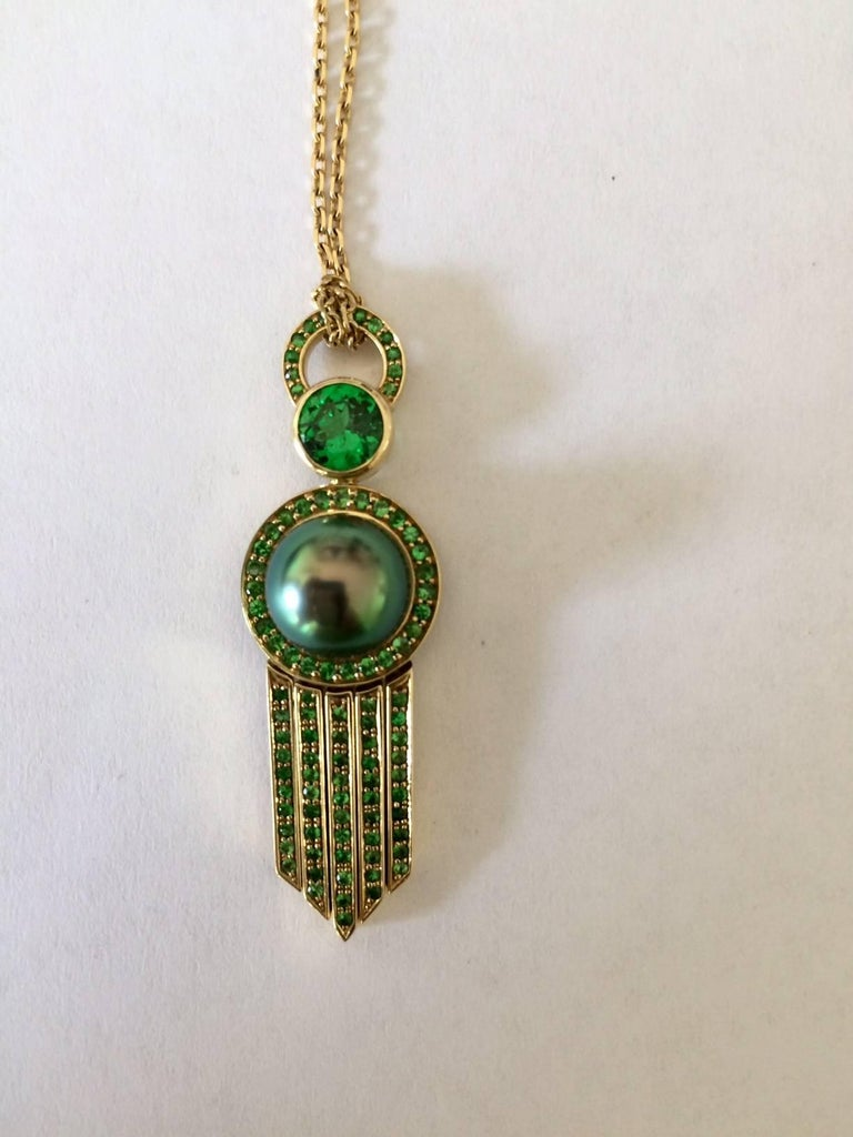 Ana De Costa Yellow Gold Green Round Tsavorite Black Tahitian Pearl Drop Pendant In As New Condition For Sale In London, GB