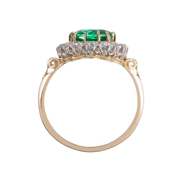 Women's 2.73 Carat Emerald Diamond Gold Cluster Ring For Sale