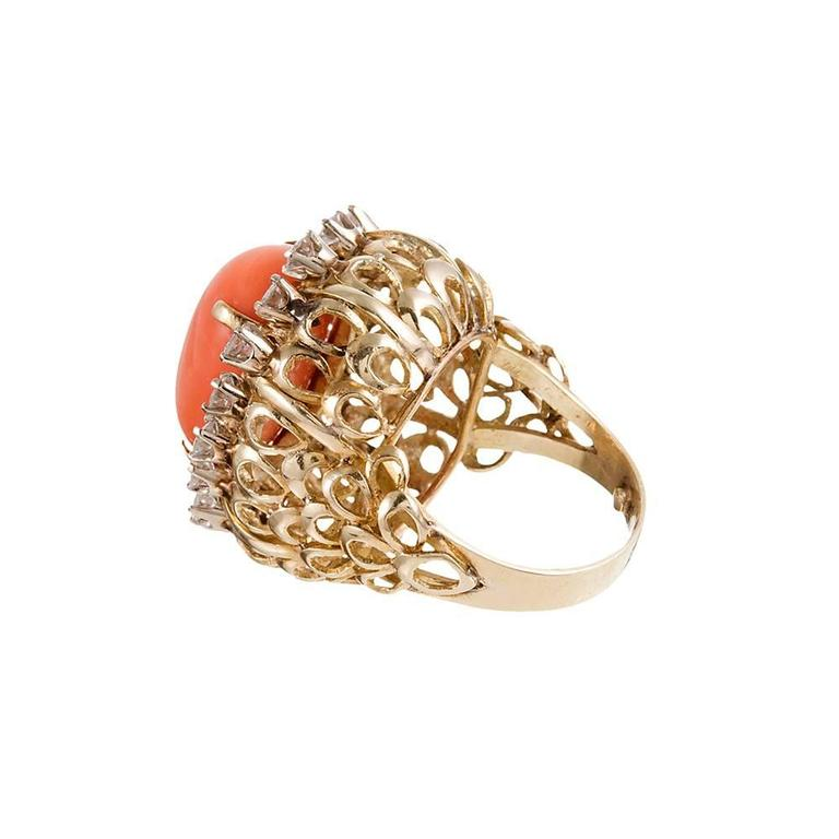 1960s Coral Cabochon Diamond Gold Cluster Ring In Excellent Condition For Sale In Carmel-by-the-Sea, CA