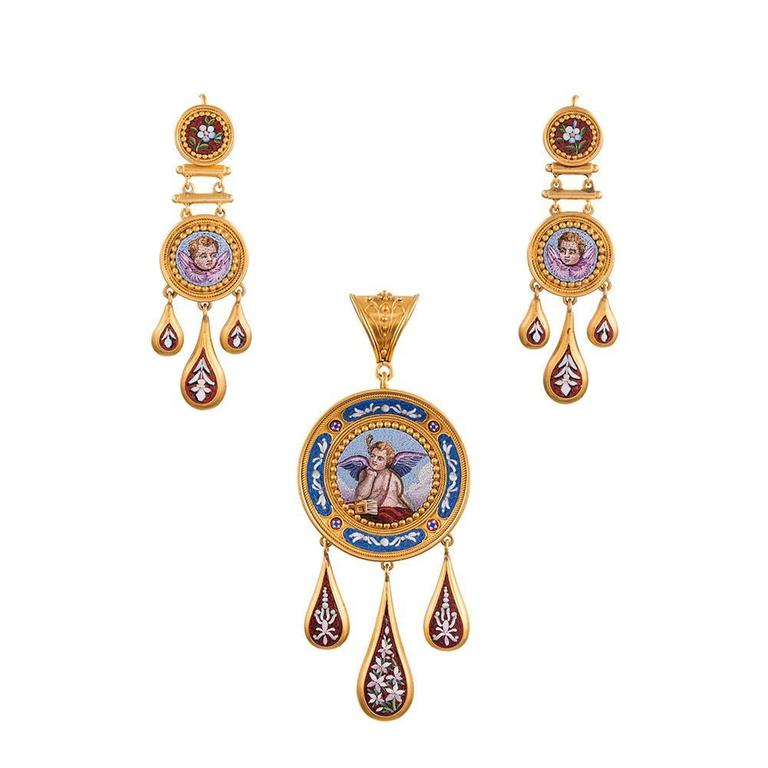 Exceptional quality and condition pin/pendant and earrings suite, made of 18k yellow gold and decorated with museum quality micromosaic. For the dedicated antique jewelry enthusiast, this treasure will need no further description beyond the photos.