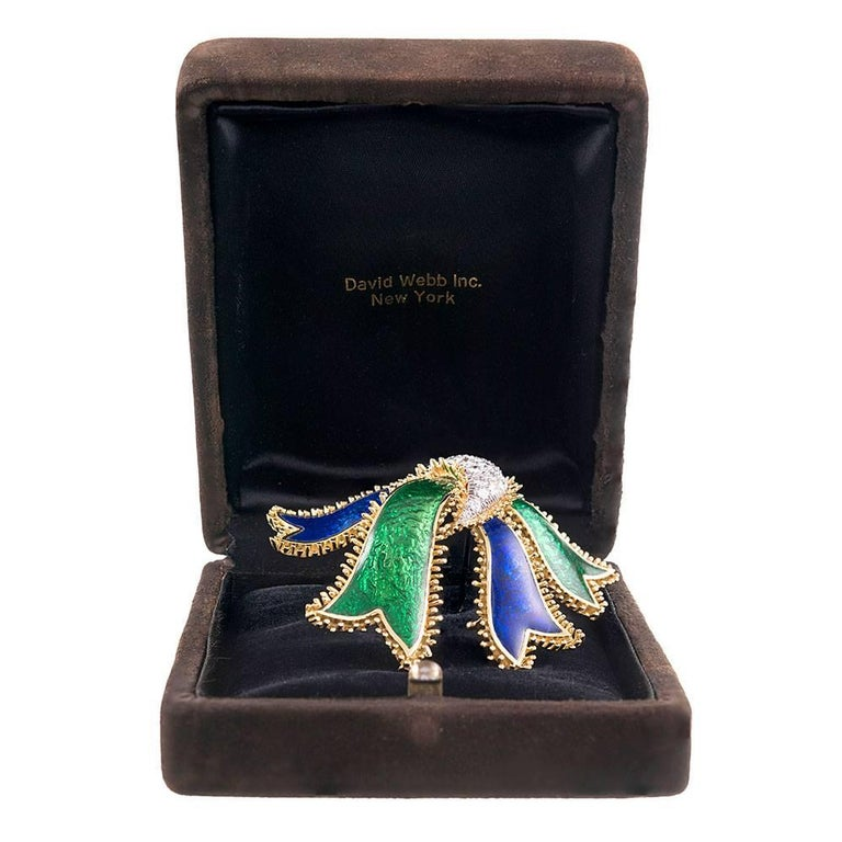 David Webb Diamond Enamel Bow Brooch In Excellent Condition For Sale In Carmel-by-the-Sea, CA
