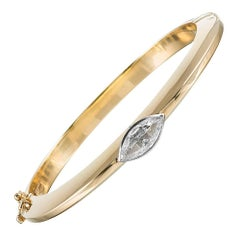 Contemporary Gold Bangle with 1.09 Carat Marquis Diamond