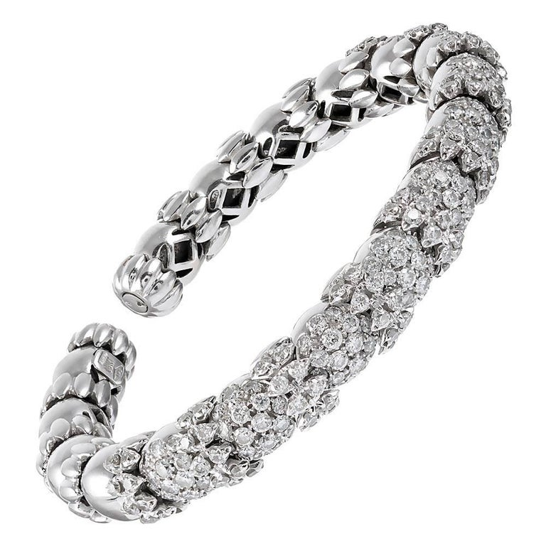 Flexible Diamond Bangle Bracelet For Sale at 1stdibs