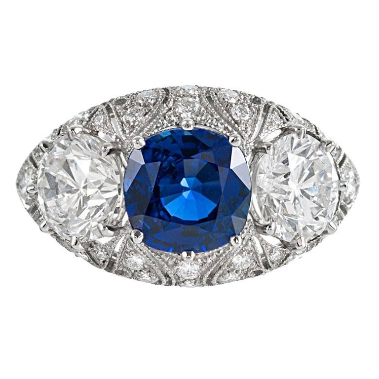 Sapphire Diamond Three-Stone Ring For Sale