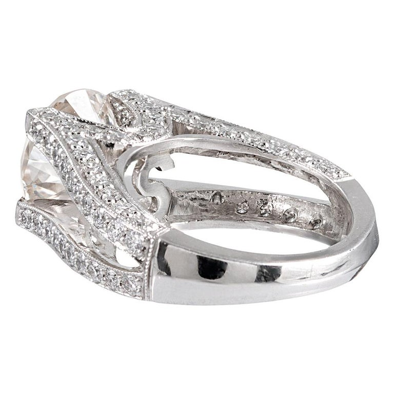 Modern 3.90 Carat Centre Solitaire Diamond Ring with Split Shank For Sale
