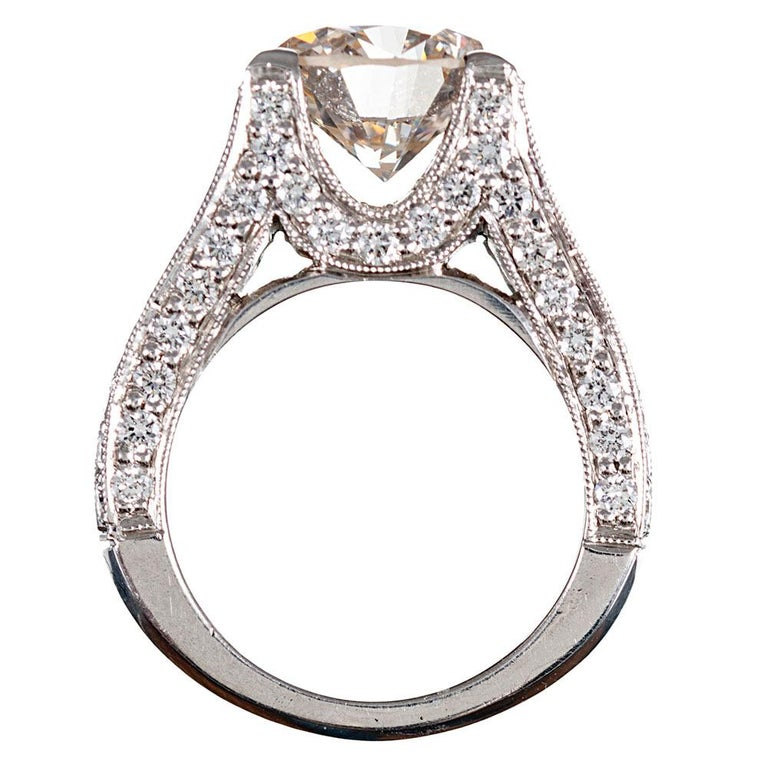 3.90 Carat Centre Solitaire Diamond Ring with Split Shank In Excellent Condition For Sale In Carmel-by-the-Sea, CA
