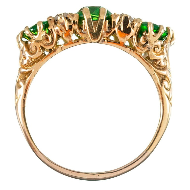 Classic English  Demantoid Garnet and Diamond English Carved Ring In Excellent Condition For Sale In Carmel-by-the-Sea, CA
