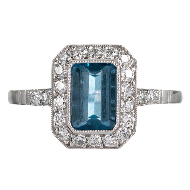 Art Deco Style 1.20 Carat Aquamarine and Sapphire Ring For Sale