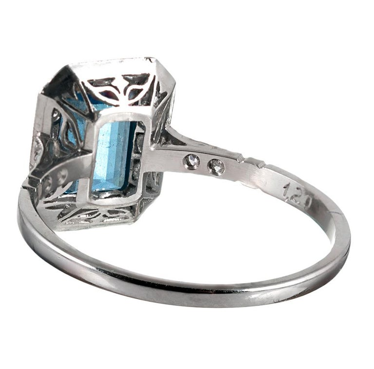 Art Deco Style 1.20 Carat Aquamarine and Sapphire Ring In Good Condition For Sale In Carmel-by-the-Sea, CA