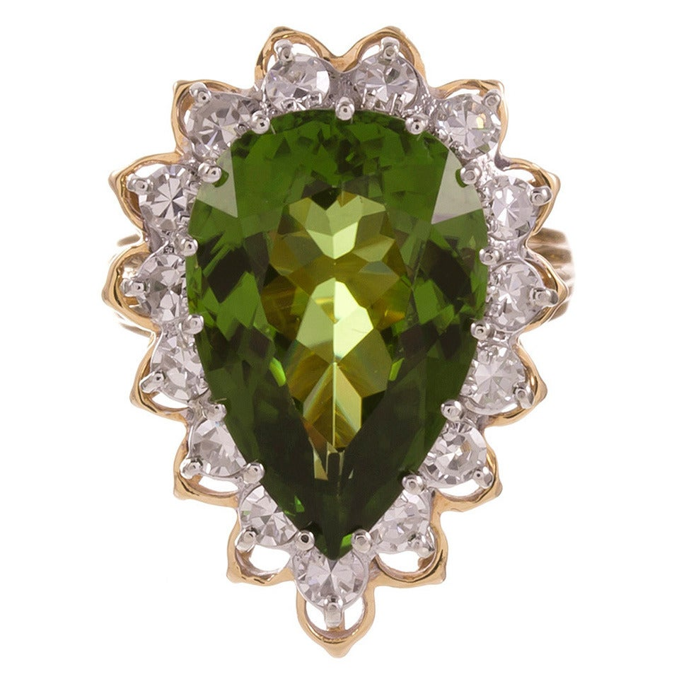 9.50 Carat Pear Shaped Peridot Diamond Cluster Ring For Sale