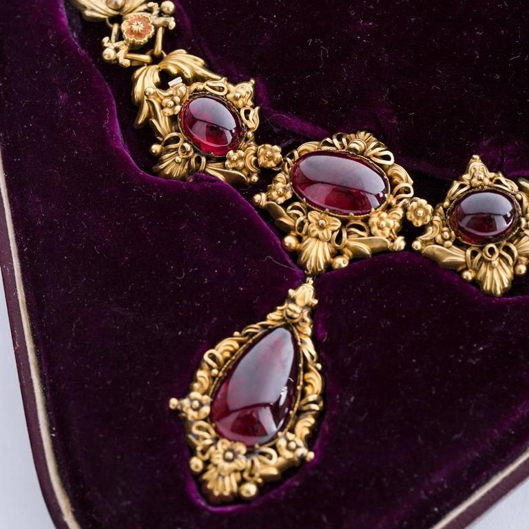 1840s English Garnet Gold Drop Necklace For Sale At 1stdibs