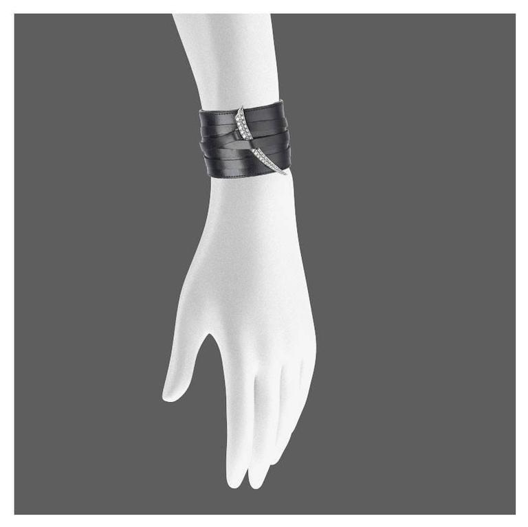 18ct White Gold Sabre Tusk with Black Calf Leather Wrap
