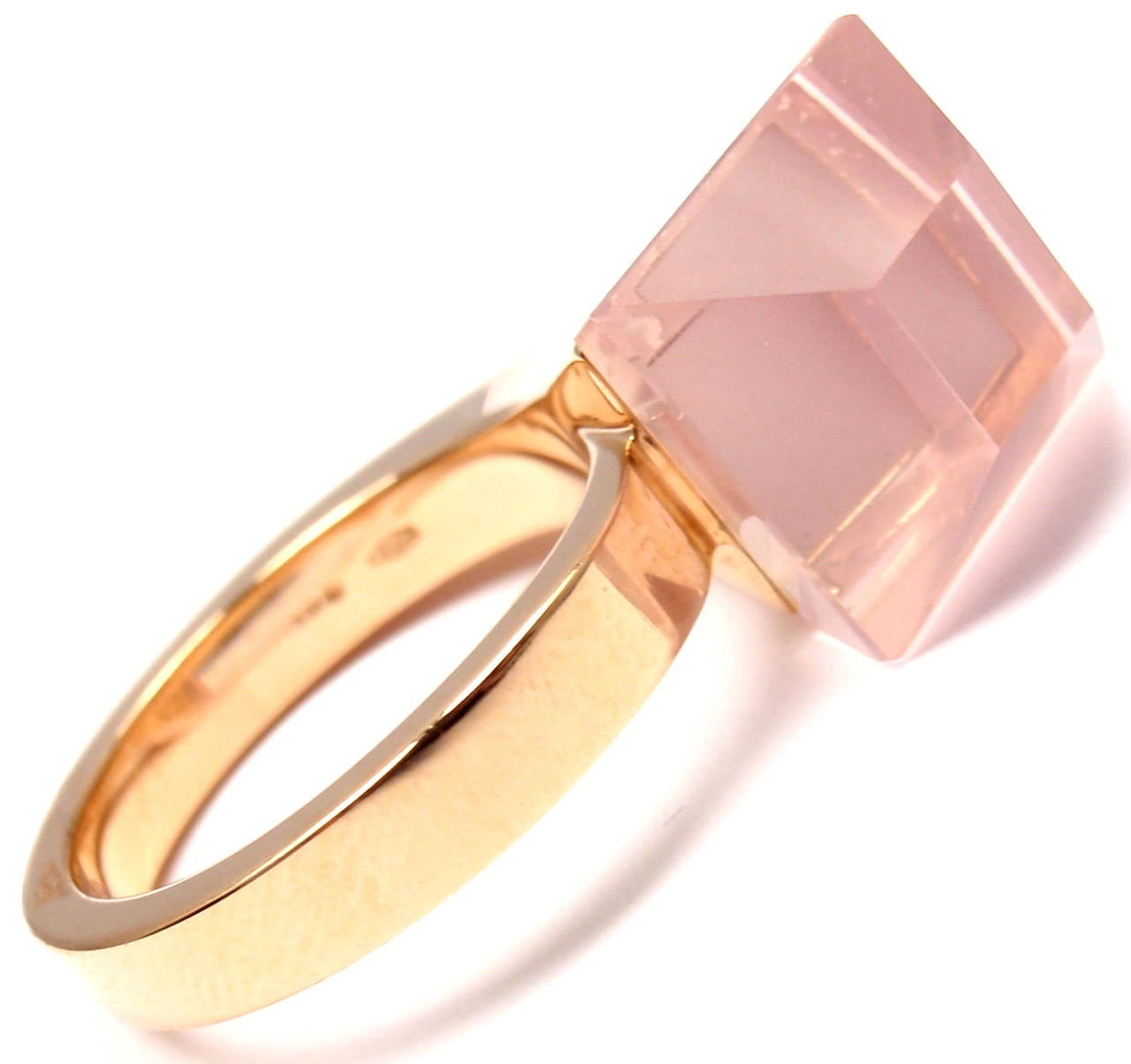 18k rose gold pink quartz French horn ring from Gucci.