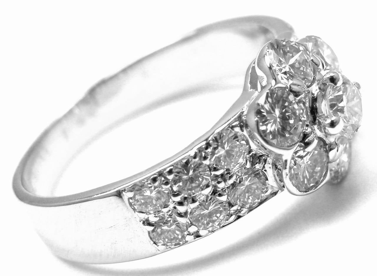 Women's Van Cleef & Arpels Diamond Fleurette Flower Gold Ring For Sale