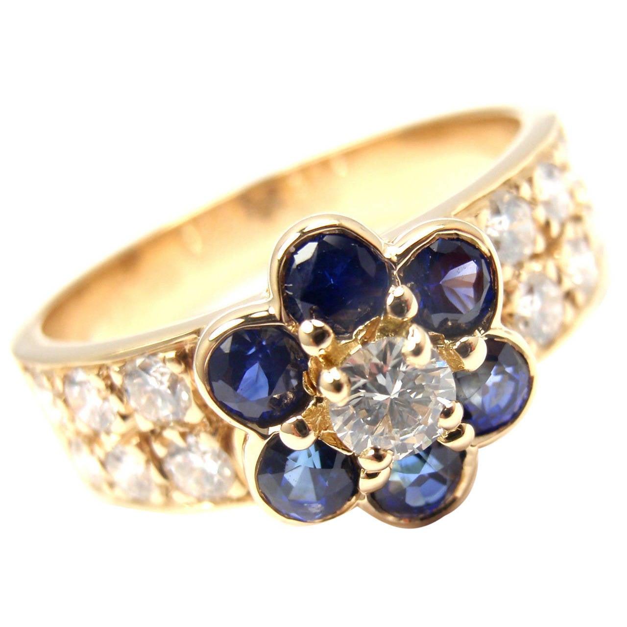 Van Cleef & Arpels Sapphire Diamond Gold Fleurette Flower Ring