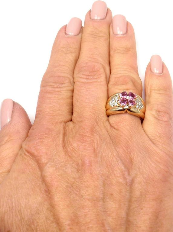 Van Cleef & Arpels Pink Sapphire Diamond Gold Flower Ring For Sale 3