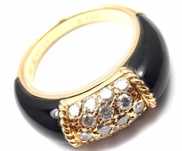 Van Cleef & Arpels Black Onyx Diamond Yellow Gold Band Ring In As new Condition For Sale In Southampton, PA
