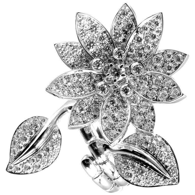 Van Cleef & Arpels Lotus Flower Diamond White Gold Between the Finger Ring
