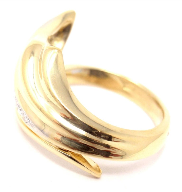 Women's or Men's Damiani Diamond Yellow Gold Ring For Sale