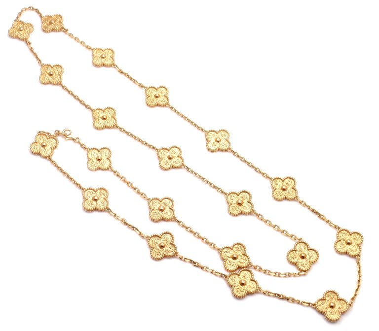 Van Cleef & Arpels Vintage Alhambra Gold 20 Motif Necklace In As New Condition For Sale In Southampton, PA