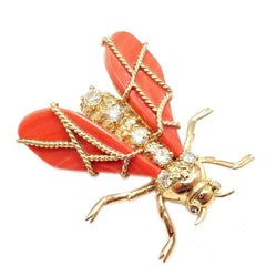 1960s Chaumet Paris Red Coral Diamond Bee Yellow Gold Pin Brooch