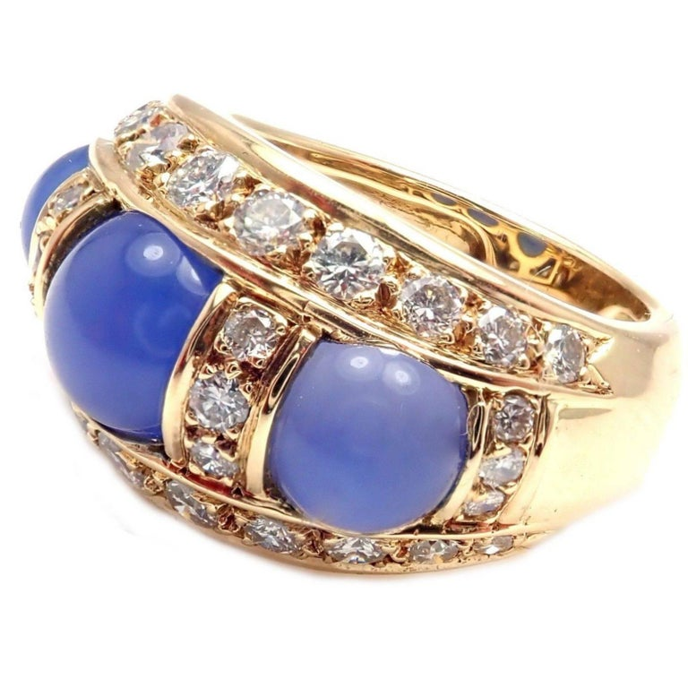 Piaget Diamond Chalcedony Yellow Gold Band Ring In As New Condition For Sale In Southampton, PA