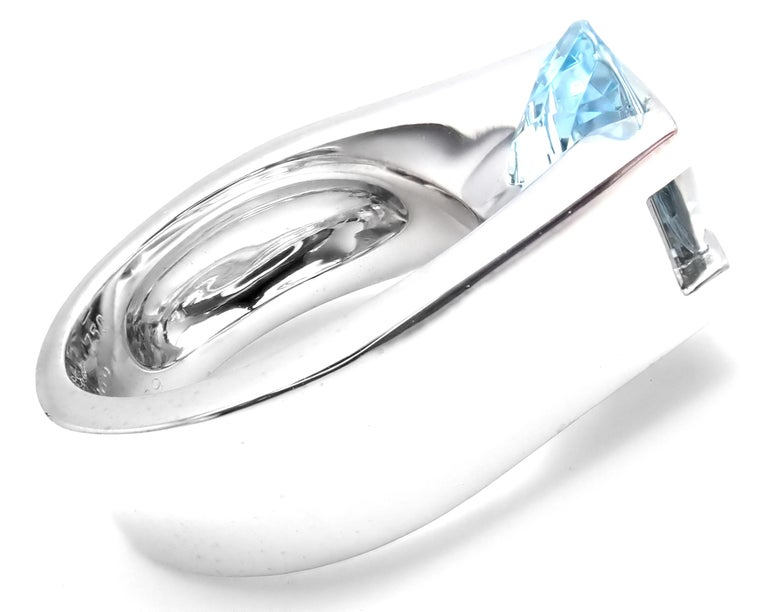 Cartier Large Aquamarine Diamond White Gold Ring In As New Condition For Sale In Southampton, PA