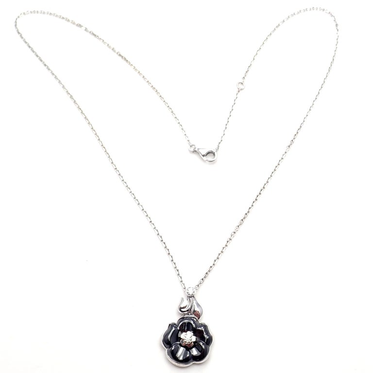 Camelia Galbe Diamond Black Ceramic Flower White Gold Necklace In New Condition For Sale In Southampton, PA