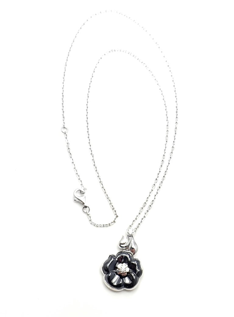 Women's or Men's Camelia Galbe Diamond Black Ceramic Flower White Gold Necklace For Sale