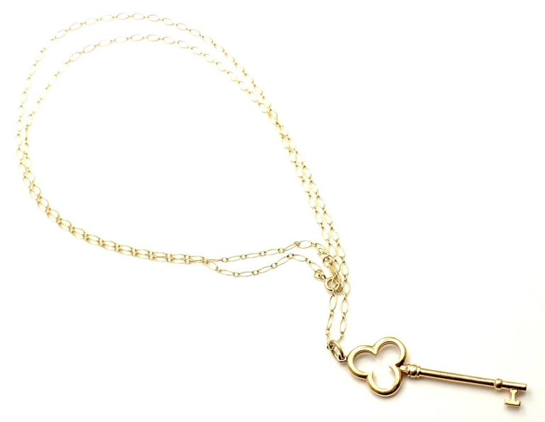 d21b07a4d Tiffany & Co. Trefoil Key Pendant Oval Link Yellow Gold Chain Necklace For  Sale 2