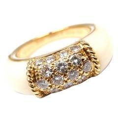 Van Cleef & Arpels White Agate Diamond Gold Ring