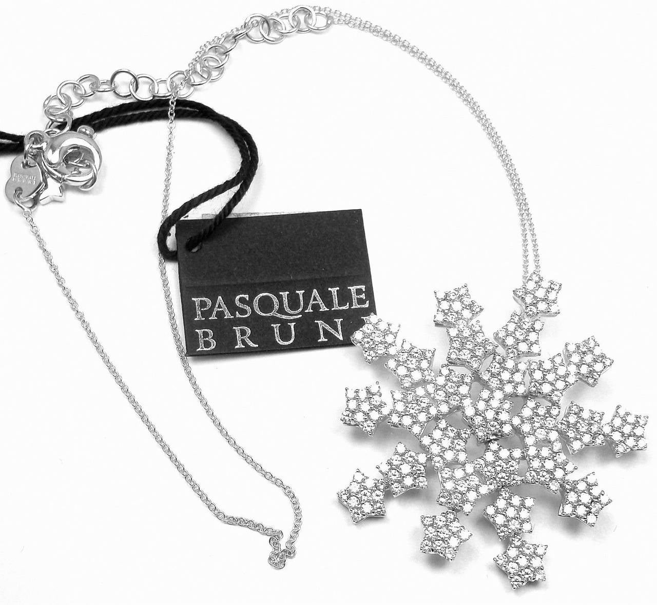 Pasquale Bruni 4.35 Carat Diamond Gold Snow Flake Necklace For Sale 2