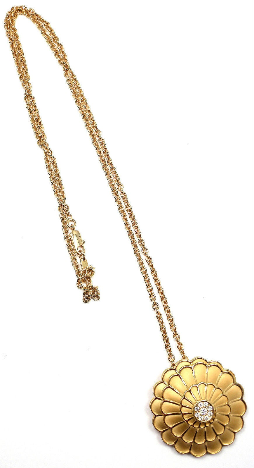 18k Yellow Gold Afrodita Diamond Necklace by Carrera Y Carrera. With 8 round brilliant cut diamonds VS1 Clarity G Color  total weight approximately .31ct This necklace comes with Box, Certificate and Tag.  Details: Length: Length: