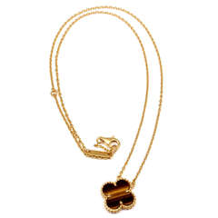 VAN CLEEF & ARPELS Vintage Alhambra Tiger Eye Yellow Gold Pendant Necklace