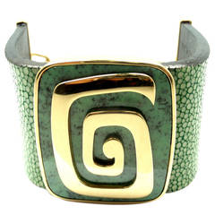 Bulgari Green Garnet Stingray Yellow Gold Cuff Bracelet
