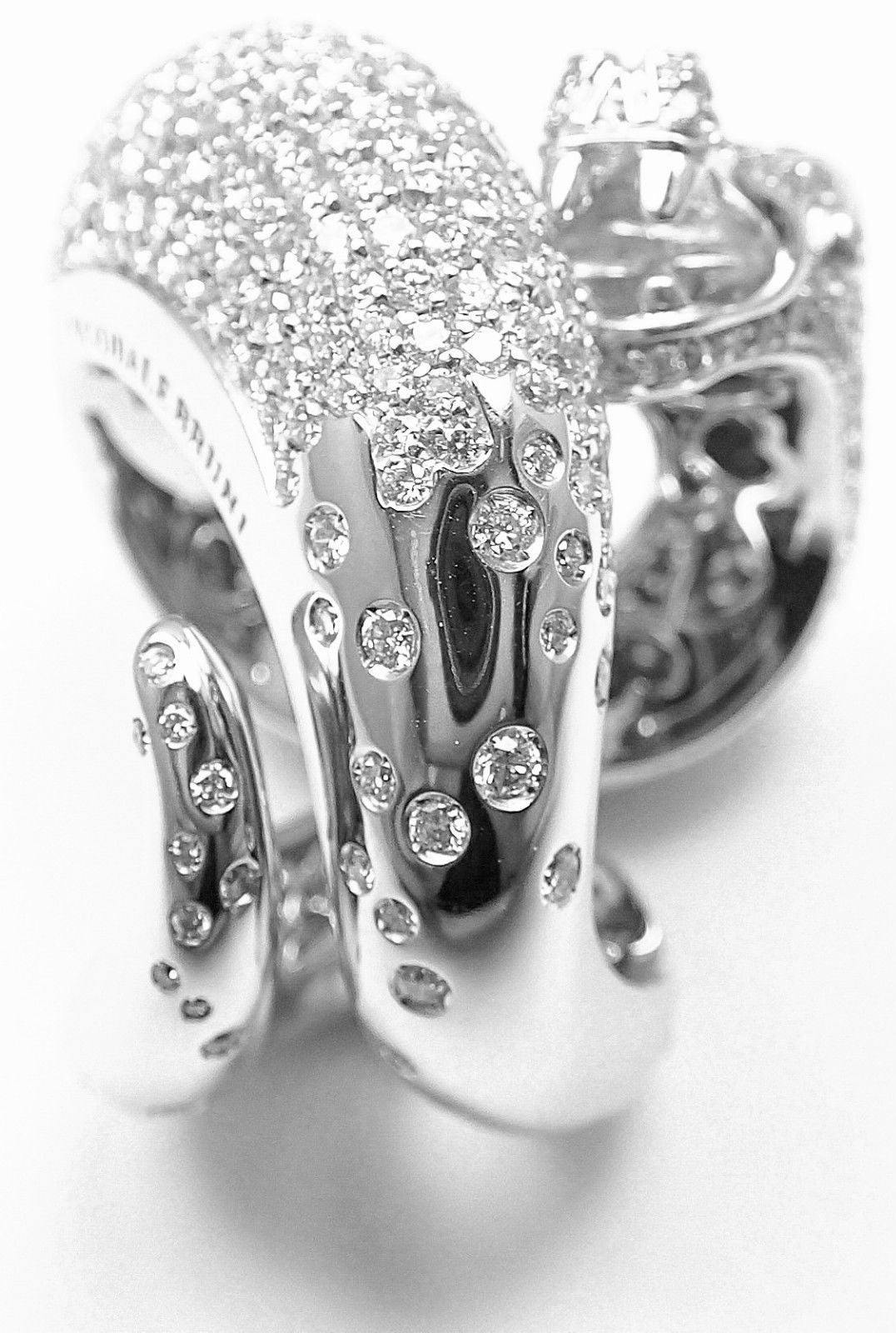 Pasquale Bruni IL PECCATO Diamond Snake White Gold Ring In New Condition For Sale In Southampton, PA