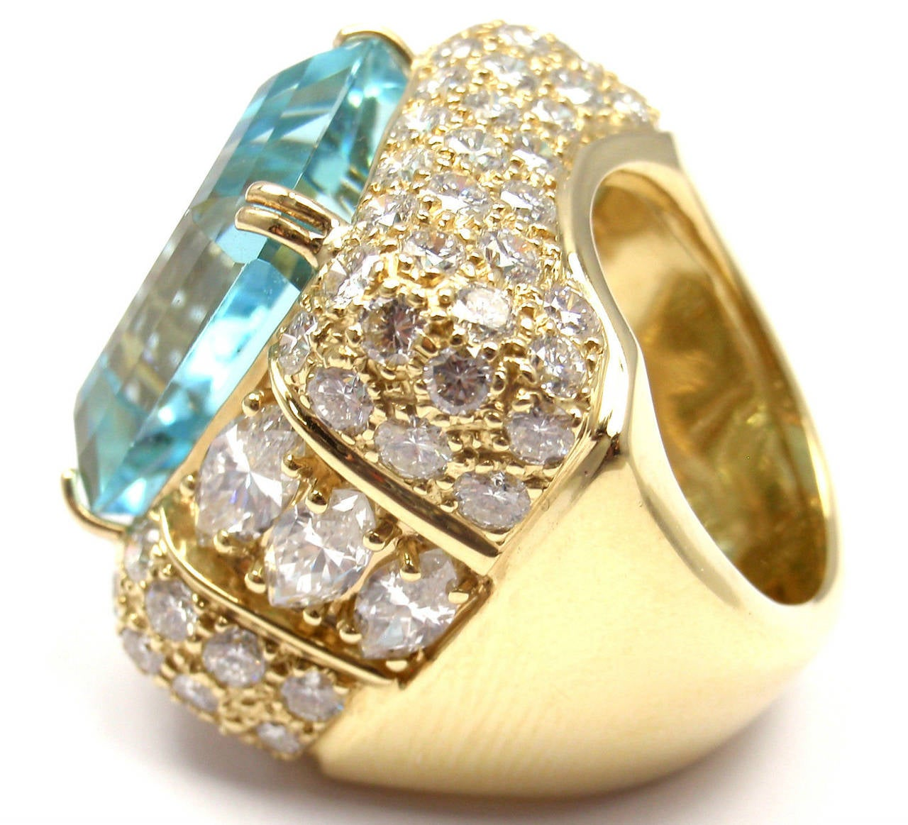 Round Cut Hammerman Brothers Large 23.70 Carat Aquamarine Diamond Gold Ring For Sale