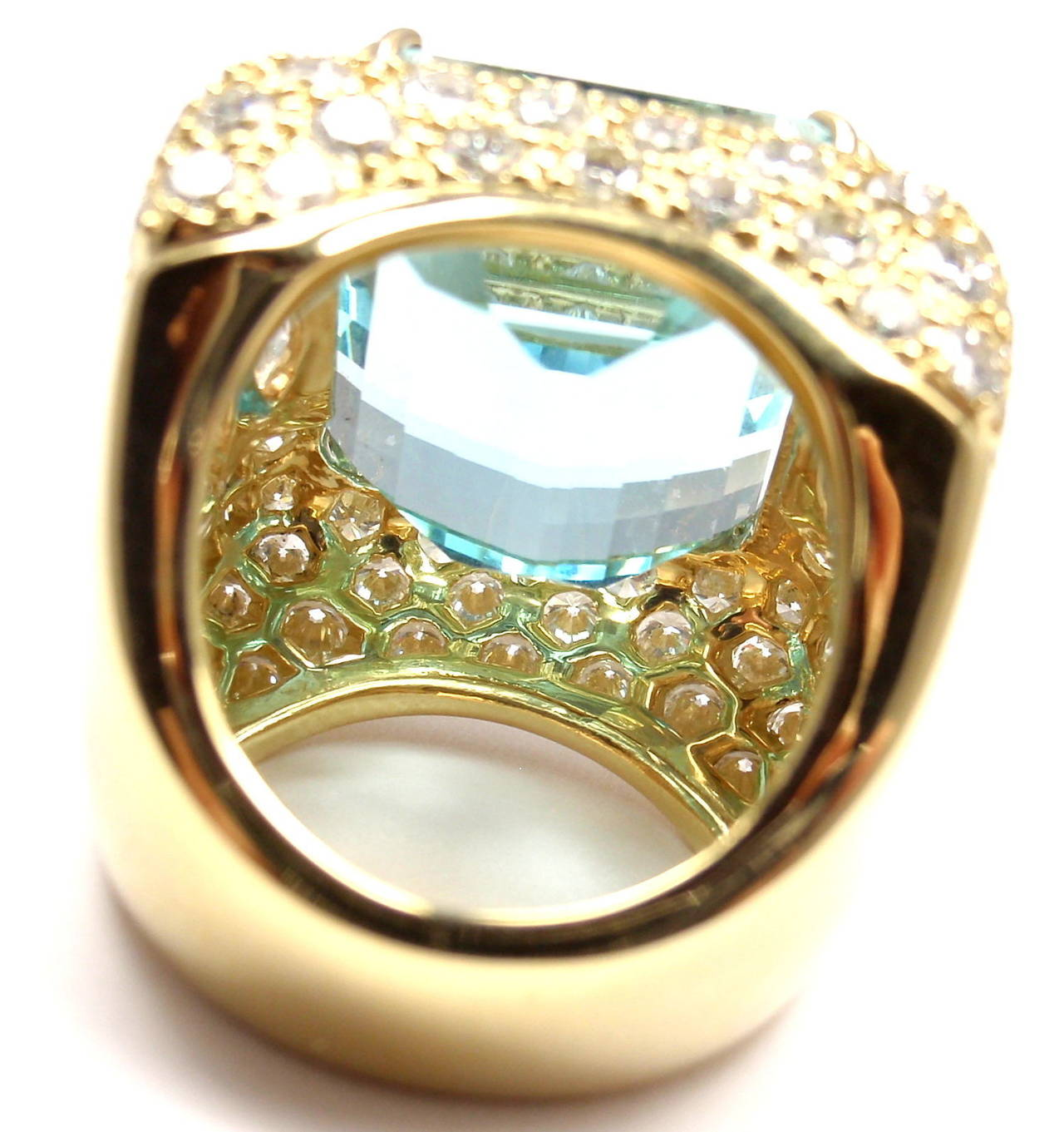 Hammerman Brothers Large 23.70 Carat Aquamarine Diamond Gold Ring In As new Condition For Sale In Southampton, PA