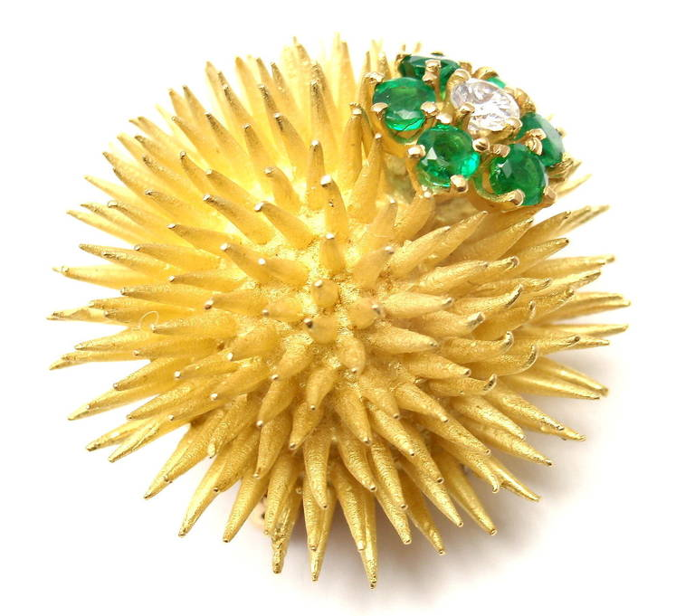 Tiffany & Co. Emerald Diamond Yellow Gold Sea Urchin Pin Brooch In As New Condition For Sale In Southampton, PA