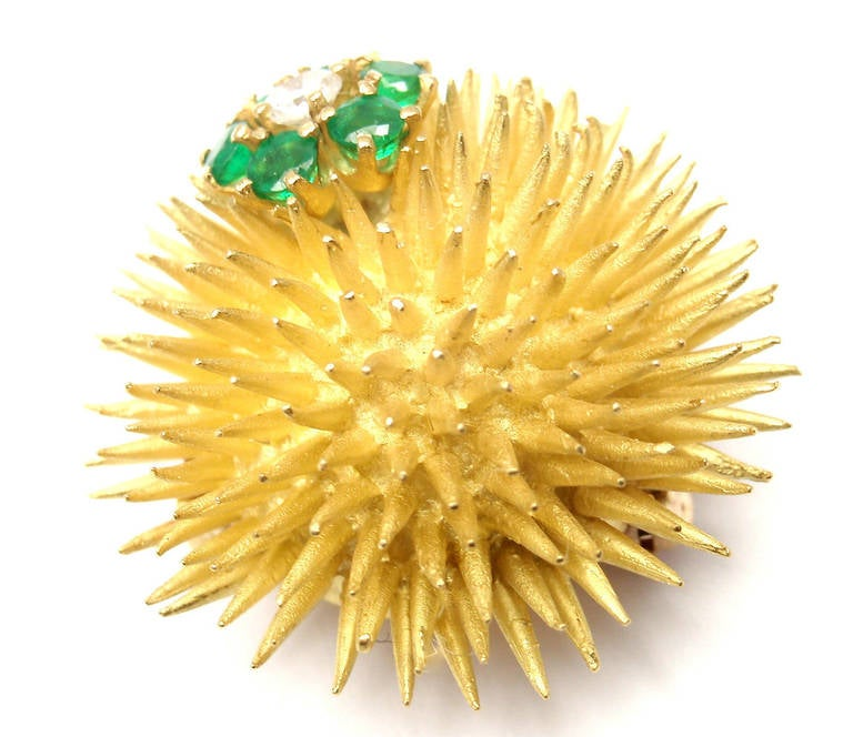 Women's Tiffany & Co. Emerald Diamond Yellow Gold Sea Urchin Pin Brooch For Sale
