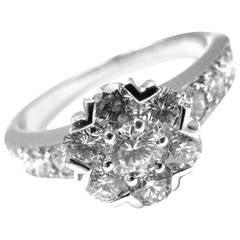 Van Cleef & Arpels Diamond Gold Fleurette Flower Ring