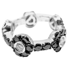 Pasquale Bruni Black and White Diamond Gold Flower Band Ring