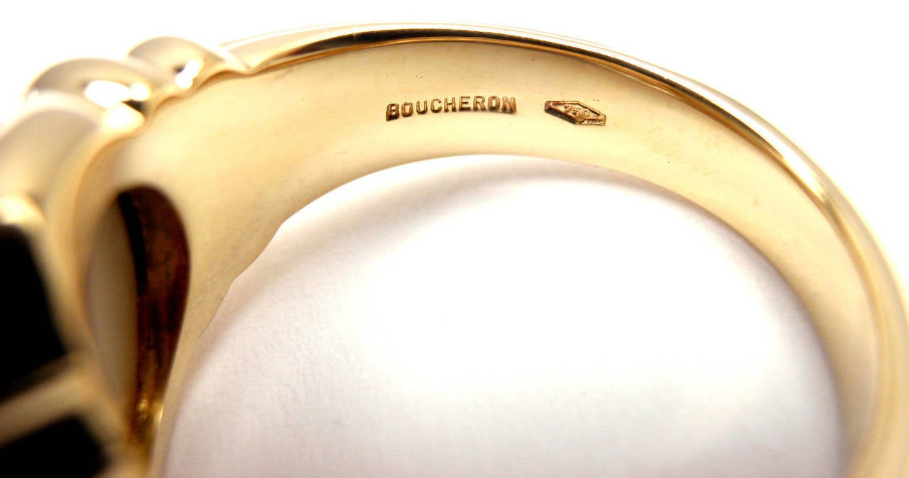 Boucheron Mother Of Pearl Yellow Gold Ring For Sale at 1stdibs