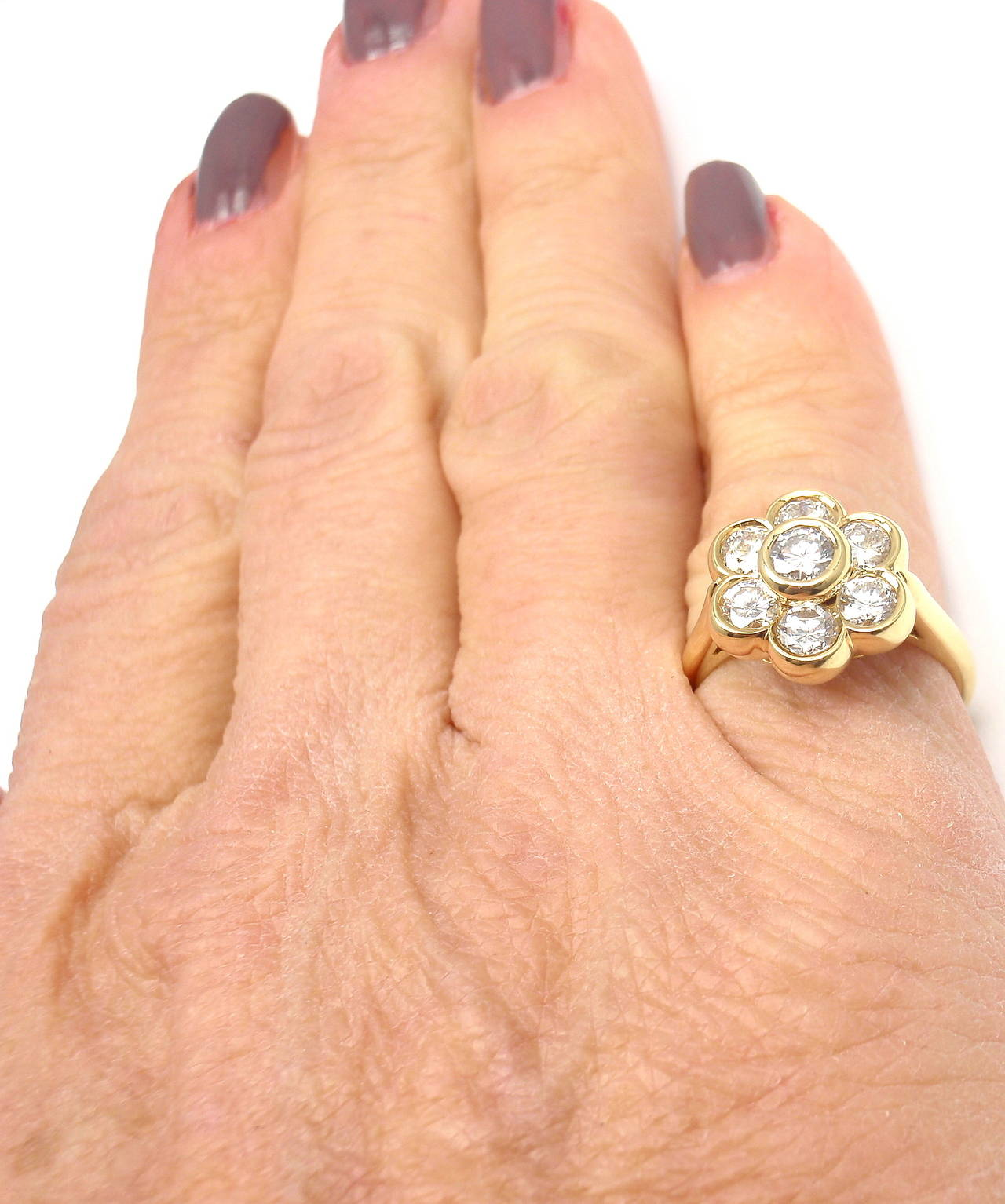Van Cleef & Arpels Diamond Yellow Gold Fleurette Flower Ring For Sale 5