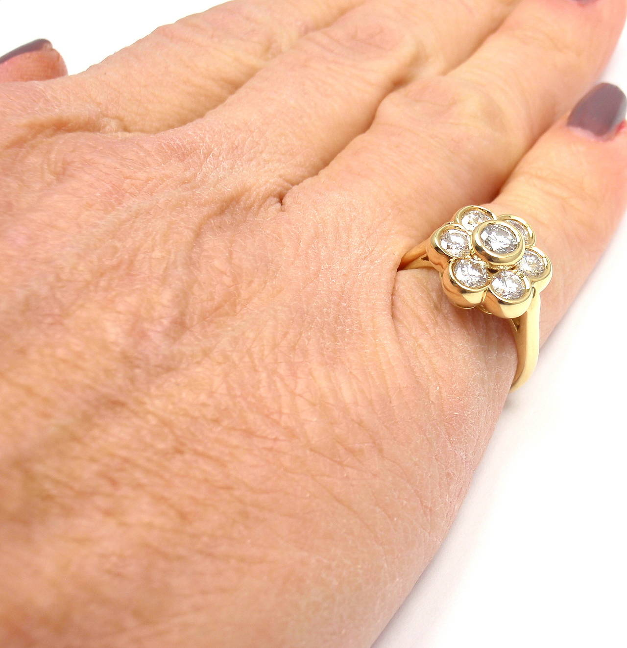 Van Cleef & Arpels Diamond Yellow Gold Fleurette Flower Ring For Sale 6